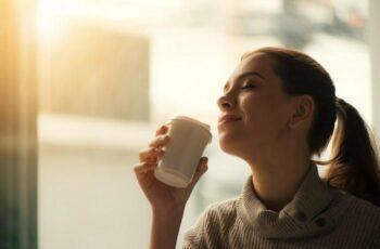 8 Hábitos Matinais Que Você Deveria Evitar Para Ser Uma Mulher Mais Produtiva